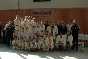 Mannschaftsfoto der Judoka des PFC Ilmenau 90 e.V. sowie des SV TU Ilmenau